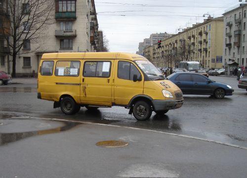 Пересадить ярославцев с маршрутных такси на муниципальный транспорт - такую инициативу озвучили городские власти...