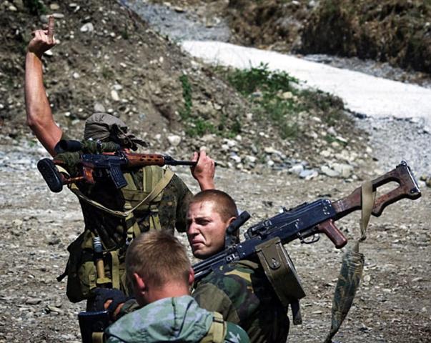 Russland friert Nato-Beziehungen ein. Wie umgehen mit der Supermacht.