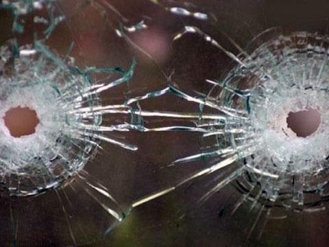 На трассе в Дагестане обстреляли полицейских: один убит, один ранен