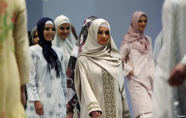 islam and dedicated muslim woman