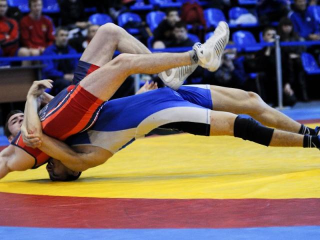 Рубцовчанин Владислав Ирклиенко занял третье место на Всероссийских соревнованиях по греко-римской борьбе