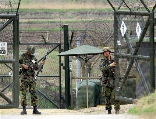 Китай ограничивает торговлю с Северной Кореей