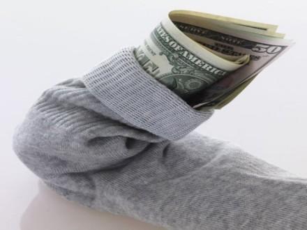 """Результат пошуку зображень за запитом """"деньги в носке"""""""
