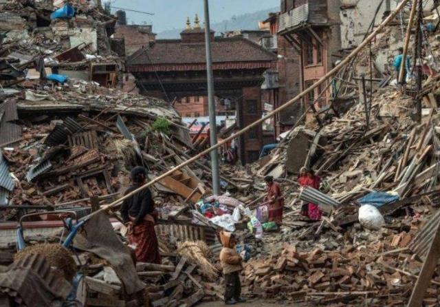 Полиция: число жертв землетрясения в Непале превысило 8 тысяч | РИА Новости