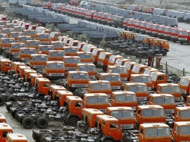 Продажи «КАМАЗа» в России за 10 месяцев 2015 года упали на 35%