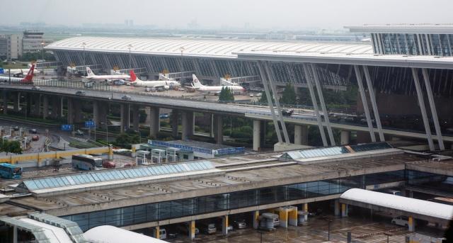 Взрыв в международном аэропорту Шанхая - пострадали несколько человек
