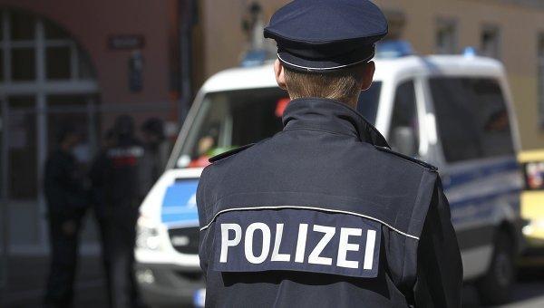 Германия: вооруженный человек забаррикадировался вресторане