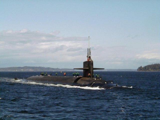 Атомная субмарина сбаллистическим оружием столкнулась скораблём— США
