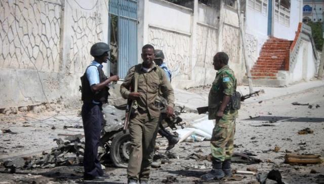 ВСомали около правительственных зданий взорвали два автомобиля, необошлось без жертв