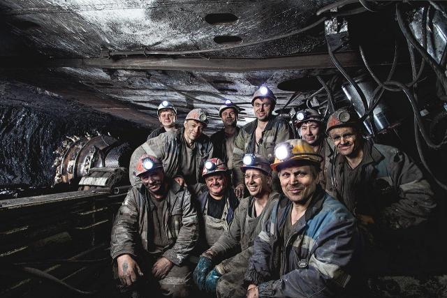 Медведев поздравил работников угольной индустрии спраздником
