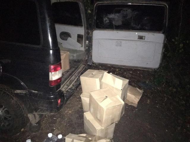 Через российскую границу пытались куб спирта