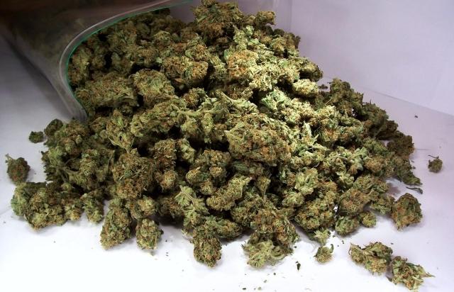 Уставропольца вбагажнике обнаружили неменее килограмма марихуаны