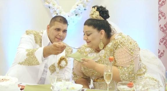 Свадьба цыган вСловакии— невесту засыпали купюрами в500евро