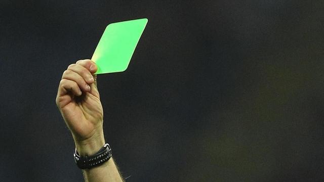Введение зеленой карточки вфутболе пахнет нафталином— специалист