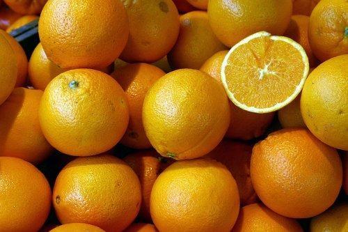 РФ сняла запрет наввоз ряда фруктов изТурции