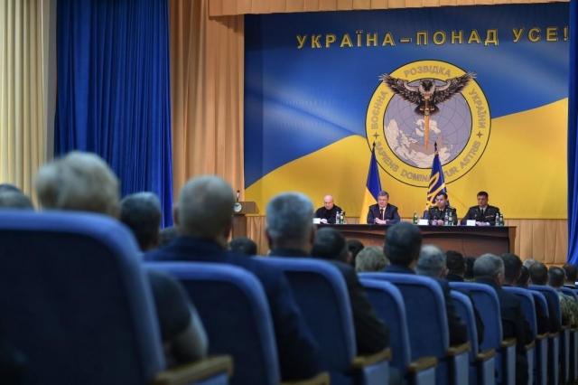 Захарова: украинские беркуты улетели, заоружие довелось взяться совам