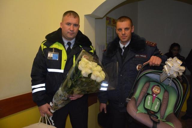 Ставропольские работники ДПС помогли женщине родить