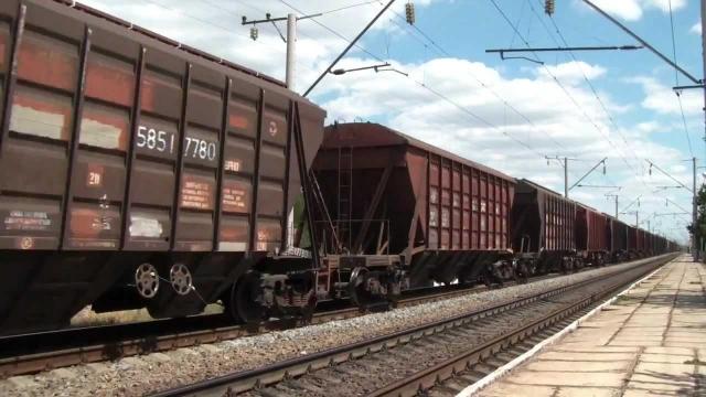 ВБелореченске под колесами товарного поезда умер мужчина