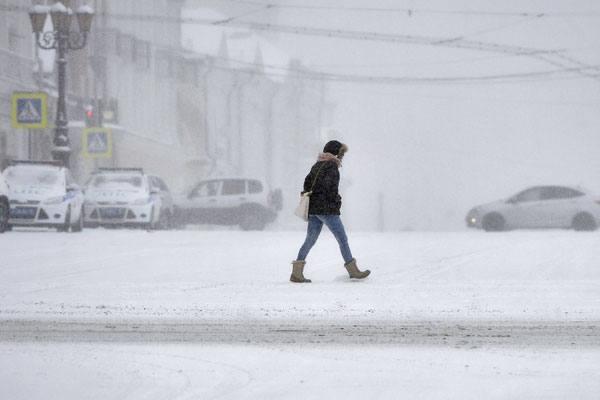 МЧС предупреждает осильном снегопаде игололедице в российской столице