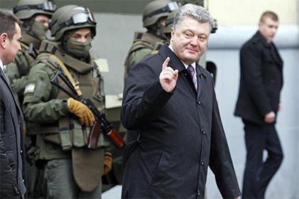 Порошенко уверил, что вКрыму вскором времени услышат украинское слово