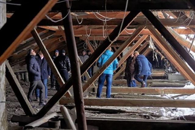 ВИжевске крыша четырёхэтажного жилого дома обрушилась под тяжестью снега