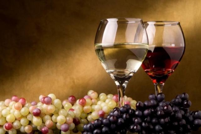 Гражданин Ставрополья напраздники похитил усоседа 50 литров вина