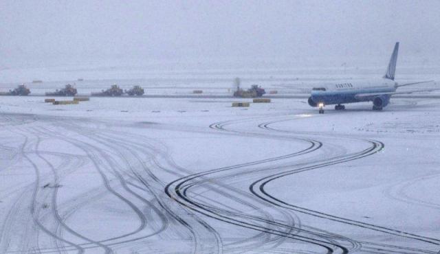 Ночью ваэропорту Краснодар несмогли сесть три самолета