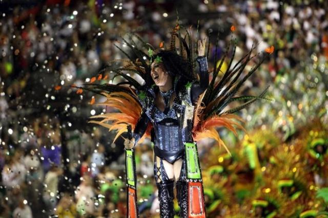 ВБразилии стартует популярный традиционный карнавал