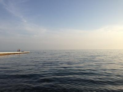 Бесплатные туалеты, раздевалки идушевые кабины установят навсех муниципальных пляжах Сочи