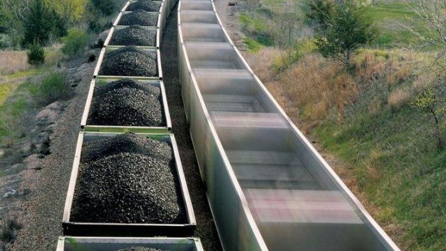 Украина просит уГосдепа угля, однако США несмогут обеспечить поставки