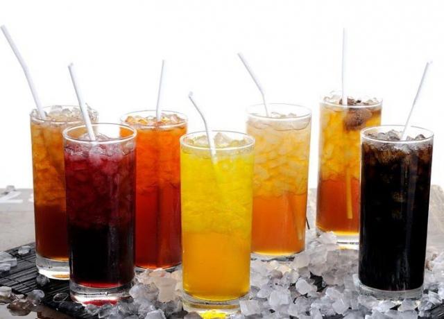 Употребление сладких напитков может уменьшить объем мозга