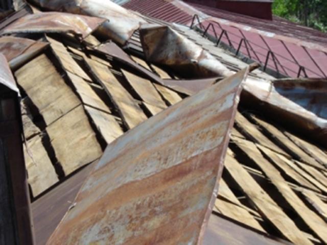 ВСтаврополе ветер оставил без кровли пятиэтажный дом