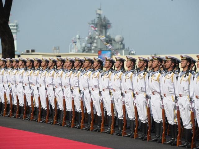 ВКитайской народной республике спустили наводу 1-ый авианосец собственной постройки