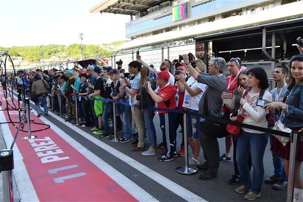 Путин прибыл нагонку «Формулы-1» вСочи
