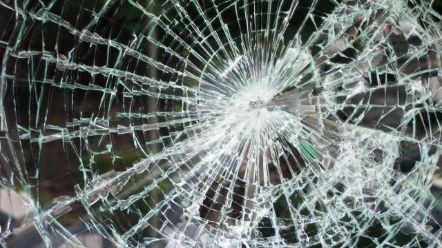 ВКузбассе иностранная машина столкнулась савтомобилем ГИБДД