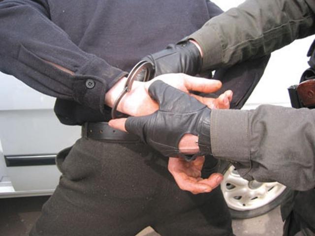 На20 лет за40 граммов: полицейские задержали 2-х наркодилеров