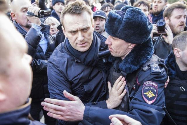 Русский оппозиционер Навальный схвачен в столице науличной акции протеста