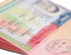 Посольство США в Москве не выдает визы россиянам