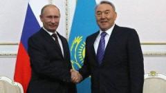 Путин провел телефонный разговор с Назарбаевым