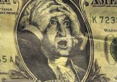Рубль в начале торгов укрепился к доллару и евро