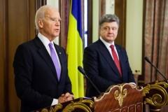 Байден и Порошенко договорились о мерах дальнейшего давления на Россию