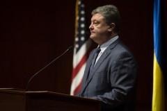 """Порошенко заявил, что слова Трампа о Крыме - """"предвыборная риторика"""""""