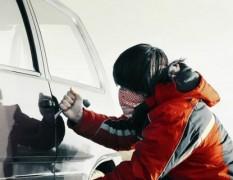 В Яранске двое несовершеннолетних пытались угнать автомобиль