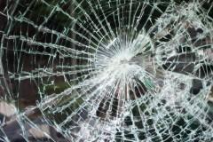 В Анапе пьяный водитель «Лады» врезался в опору ЛЭП