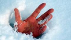 В Башкирии упавший с крыши снежный пласт убил подростка