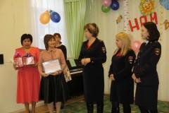 В Калмыкии предствительницы полицейского женсовета посетили своих подшефных