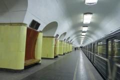 Три человека пострадали во время драки у станции метро «Рижская» в Москве