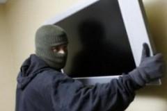 На Кубани 36-летний мужчина украл плазменный телевизор у знакомого