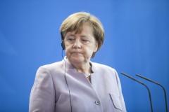 Меркель признала, что ЕС совершал ошибки, но настало время закончить незавершенное