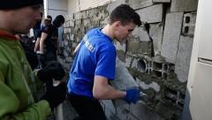 Националисты сняли блокировку офиса Сбербанка в Киеве
